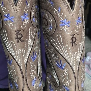 Purple flower cowgirl boots, by TonyLama